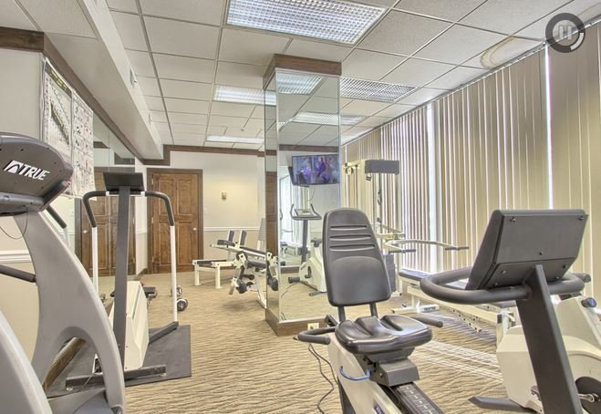 Executive housing in Harrisburg with gyms