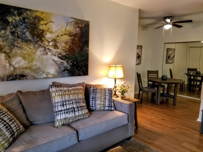 Furnished apartment homes for rent in Mechanicsburg, Corporate apartment for short term lease, Furnished condominium for rent with garage
